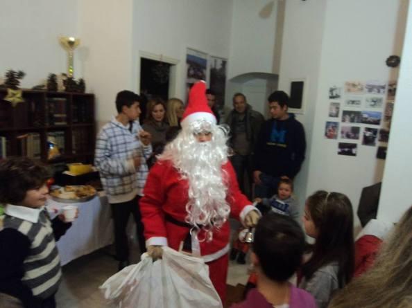 Χριστουγεννιάτικη γιορτή στα Καμιναράτα