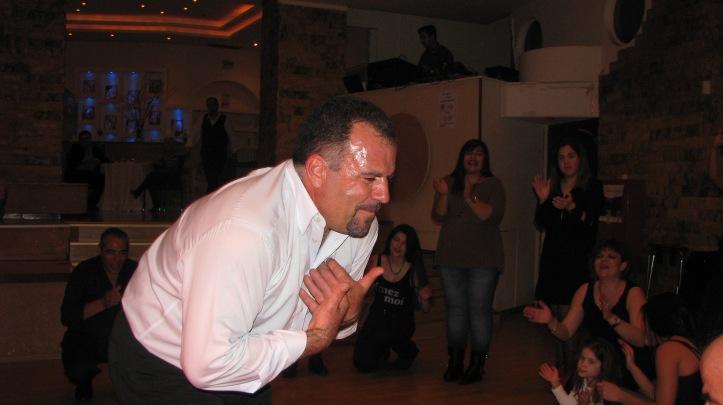 4-χορος (109)