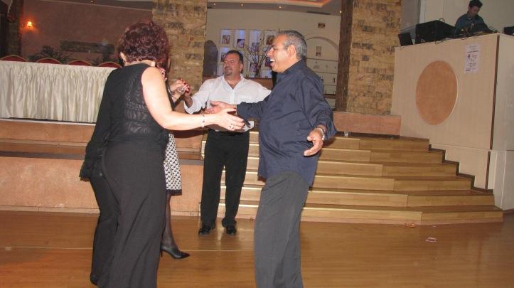 4-χορος (116)