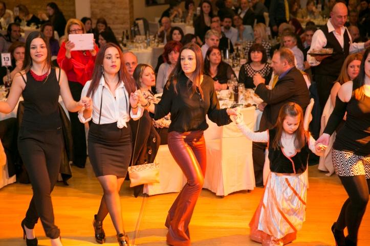 4-χορος (40)