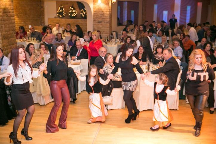 4-χορος (51)