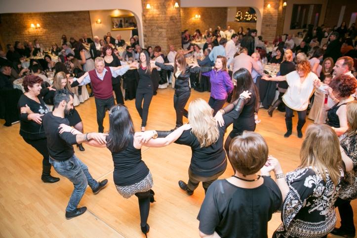 4-χορος (64)