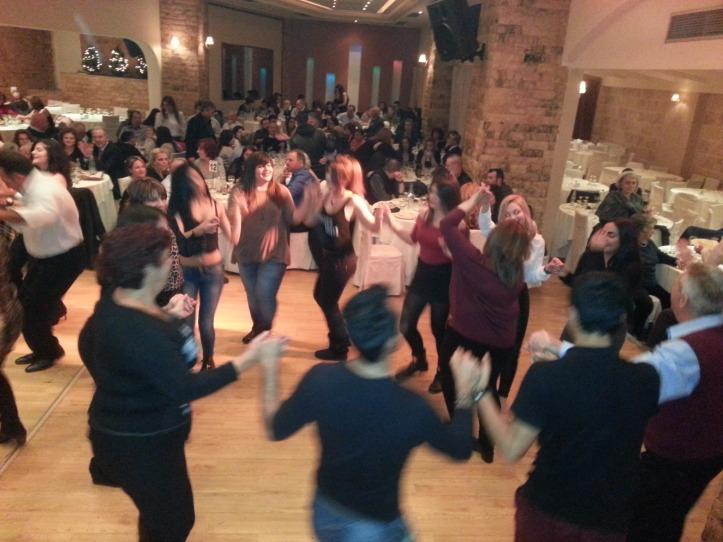 4-χορος (80)