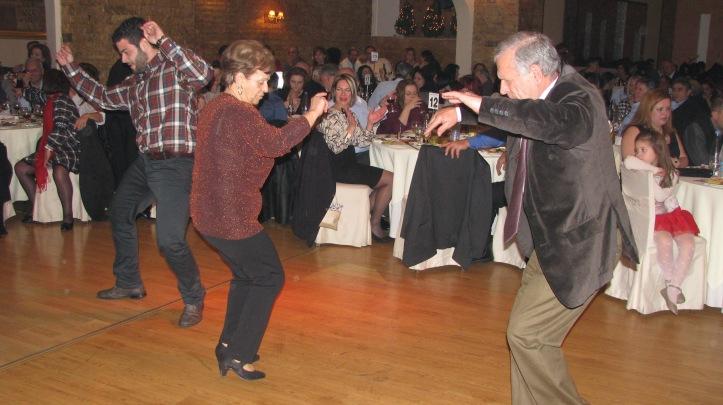 4-χορος (91)