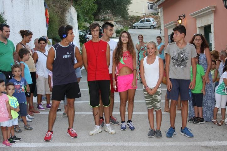 έτοιμοι οι αθλητές για τον αγώνα των 4000 μέτρων