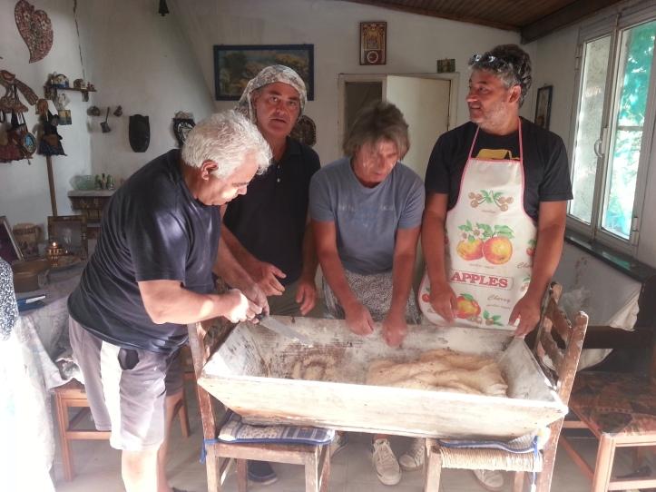 Το καλό ψωμί θέλει και καλό ζύμωμα μας έλεγαν οι μανάδες μας