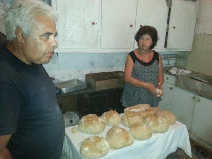 Η Μαργαρίτα και ο Ηλίας ποστιάζουν τα ψωμιά