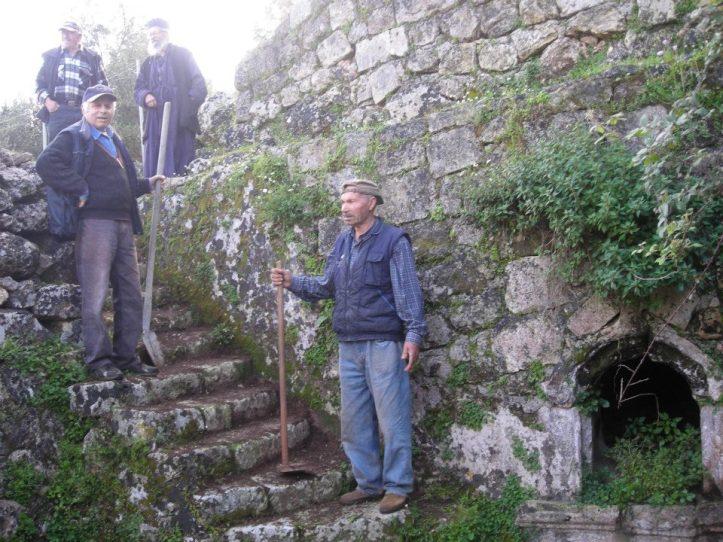 Βρυση Ταφιου-Ευσεβιος-Νικος-Βαγγελης-Μπαμπης (8)