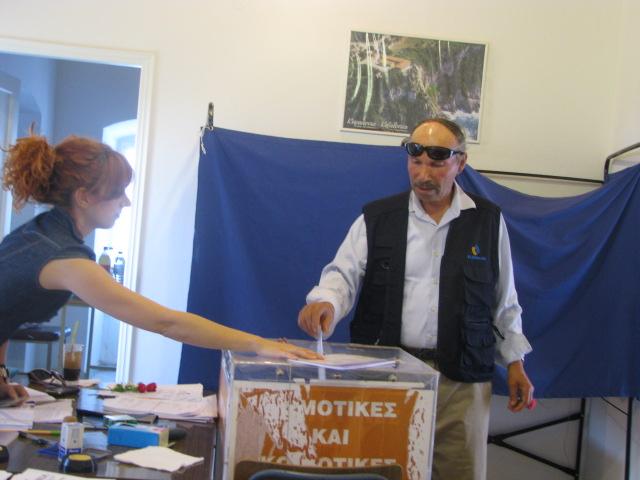 Σταθατος Νικος Φωτη-2012-06-17-εκλογες (1)